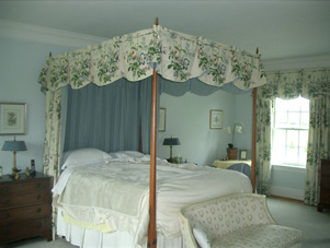 Bed_Canopy_Scallop_Valence_Middleburg_VA