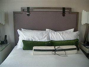 Headboard_Holiday_inn