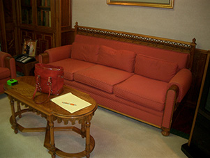 Sofa_Before_Kuwait_Embassy_DC
