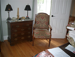 Wooden_frame_chair_Middleburg_VA